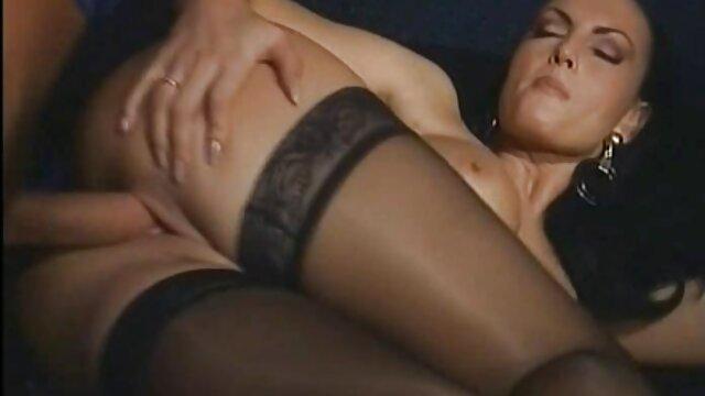 Russische Schlampe reife frauen porn video stöhnt mit einem großen Schwanz
