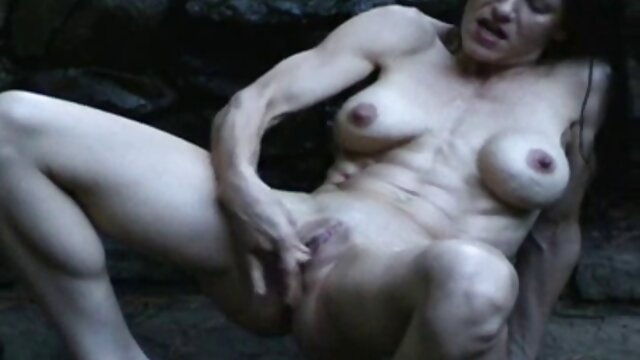 Suche Ente mit einem free porno reife frauen jungen Mädchen, graue Haare